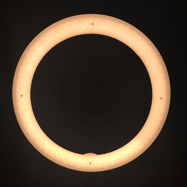Ring-Light-Salon-5